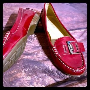 """New. Naturalizer """"Heaven"""" line red flats. Size 7.5"""